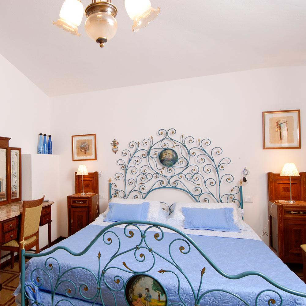 camera superior hotel 3 stelle su barchile